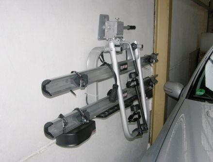 Držák pro nosiče kol na tažné zařízení - na stěnu č.2